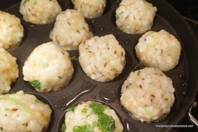 sabudana vada / fritter made in appe pan