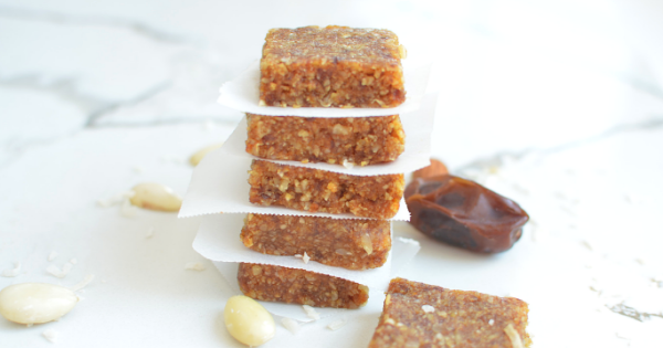 homemade almond and date energy bars (10)