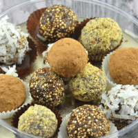 Chocolate Quinoa Fudge Balls