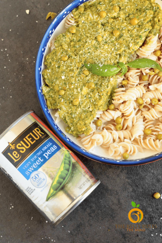 Pesto with a Spring twist. Ready in just 5 minutes, Peas Pesto is thick, creamy and nutritious. Serve it with Pasta, spread it on bread or enjoy it with some chips, you will be delighted with the delicious flavors. Vegan. Gluten-Free. Oil-Free.