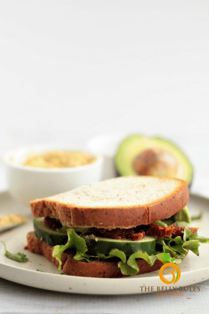 Sundried Tomato & Hummus Sandwicg