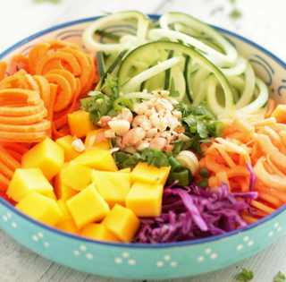 Rainbow Thai Spiralized Salad with Mango & Papaya & Vegetable Noodles