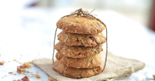 Vegan Breakfast Oatmeal Cookies