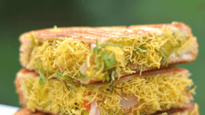 Bombay Sandwich – Vegetable Sandwich