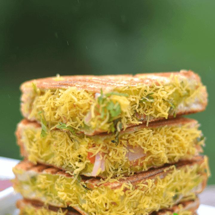 Bombay Sandwich – Vegetable Sandwich
