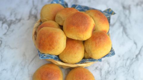 No Knead Homemade Whole Wheat Dinner Rolls – Ladi Pav