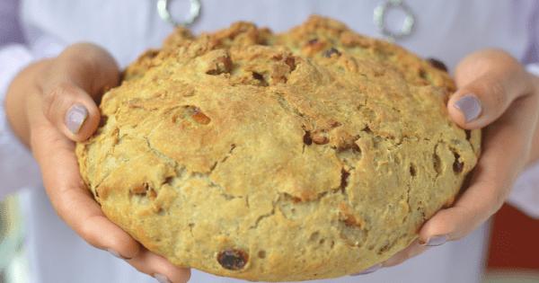 No Knead Dutch Oven Raisin Walnut artisan Bread