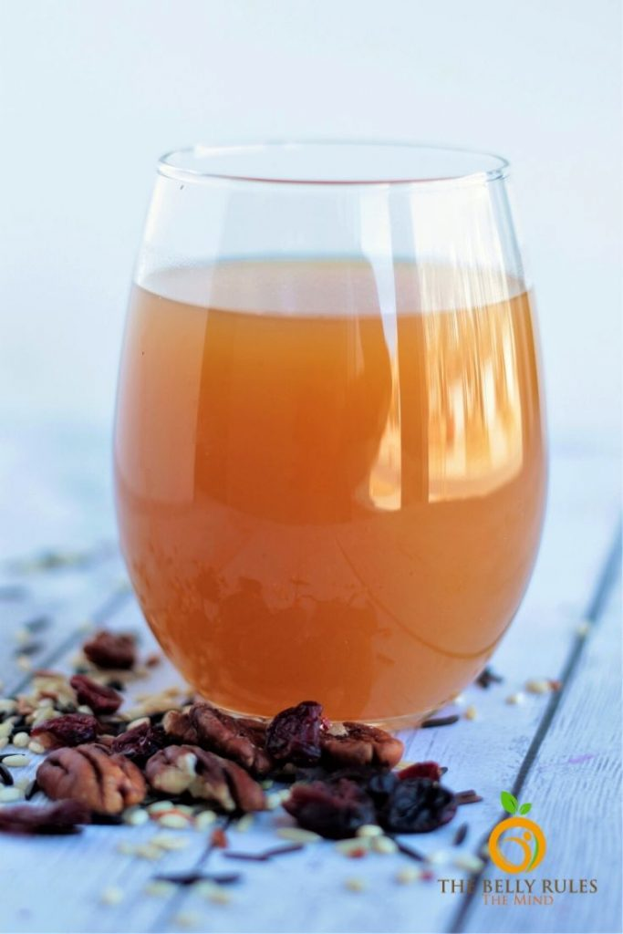 apple juice, vegetable broth and apple cider vinegar for instant pot cranberry wild rice pilaf recipe