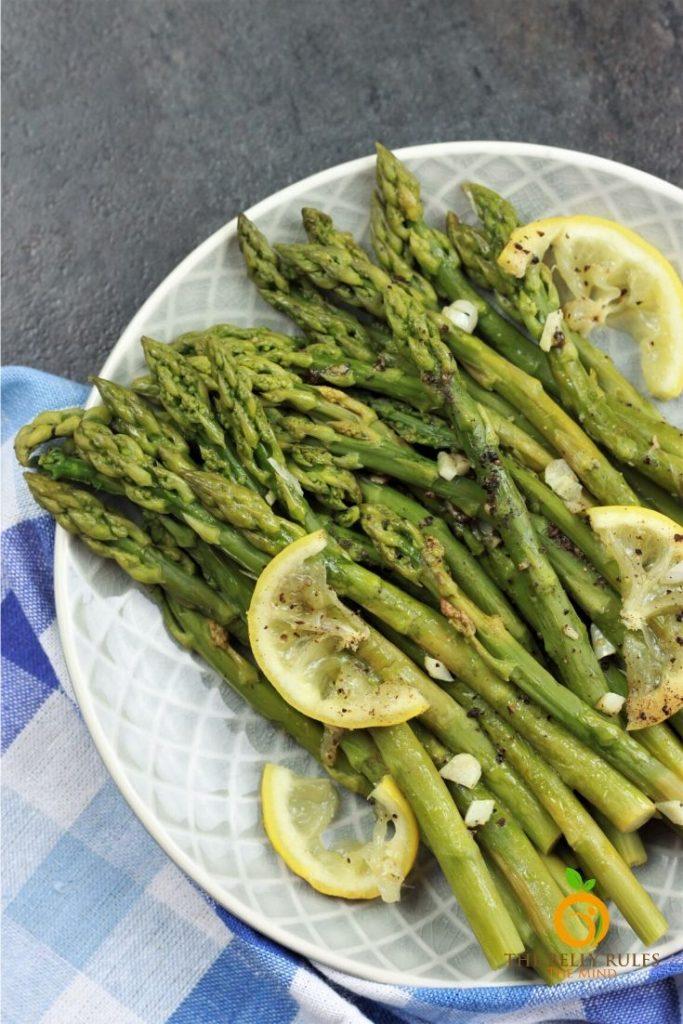 instant pot asparagus on a plate