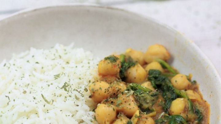 Instant Pot Chana Saag / Chickpea Spinach Curry Recipe
