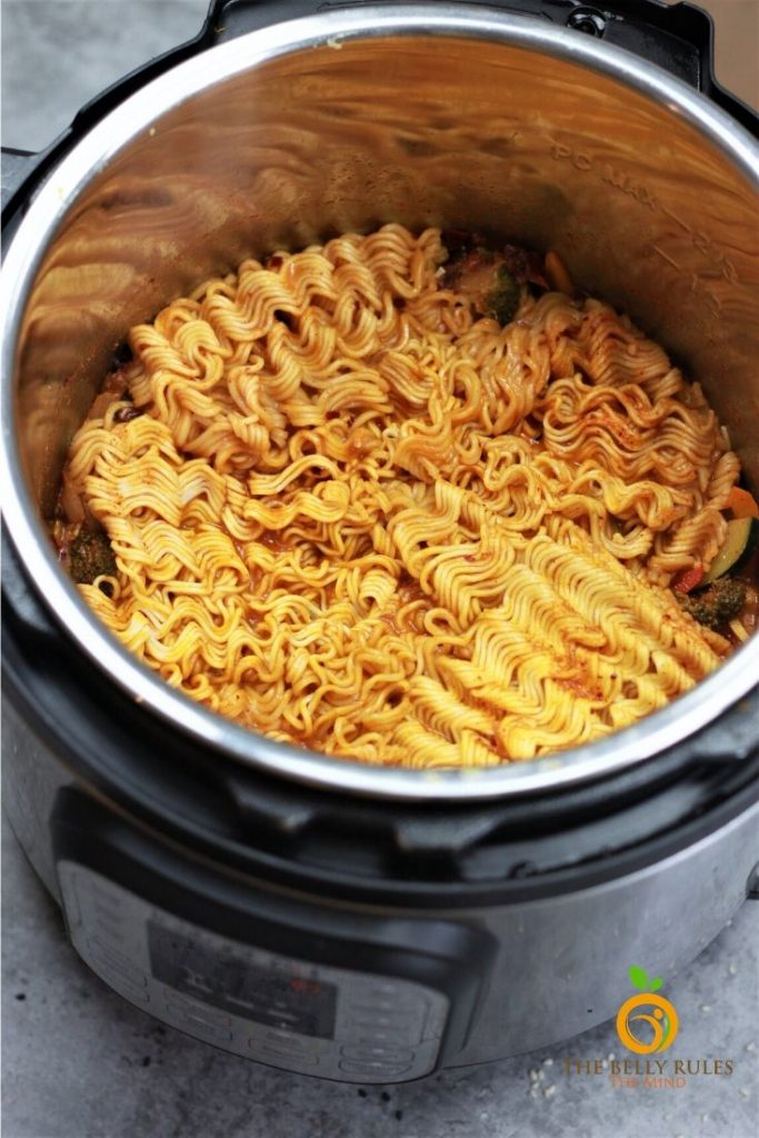 ramen noodles cooked in instant pot